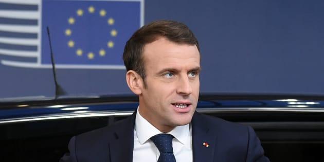 Emmanuel Macron a profité de l'actualité autour du Brexit de mettre en garde les Français contre les dérives du référendum, cher aux gilets jaunes.