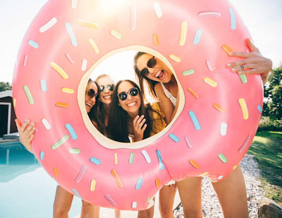 Pool floats and other amazing deals on Amazon