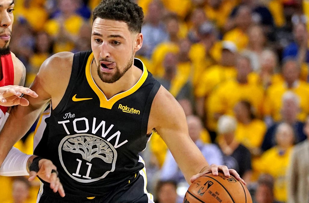 Thumbs Down: Klay Thompson Out With a Broken Digit - The ... |Klay Thompson