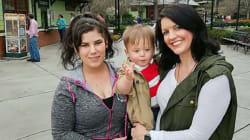 Una mujer adopta al bebé de otra después de conocerse en un