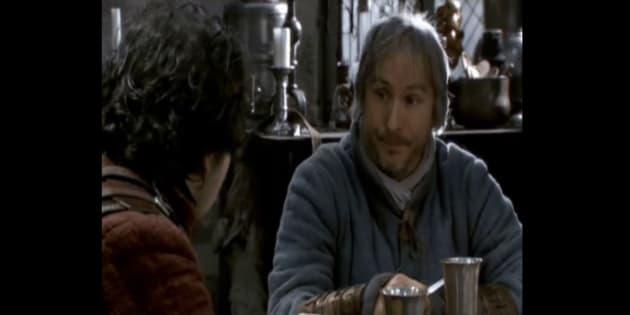 Et si le Perceval de Kaamelott n'était pas un chevalier, mais plutôt un ménestrel?