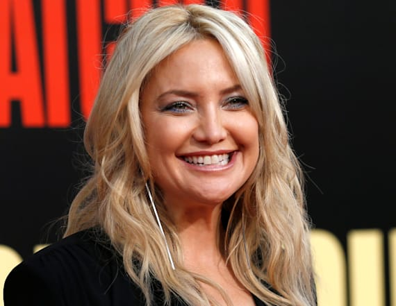 Kate Hudson shaves her entire head