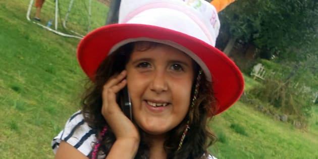 Júlia tiene nueve años y nació con síndrome de Marfan.
