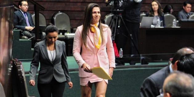 La sonorense deja su curul para ir por dirección de la Comisión Nacional del Deporte.