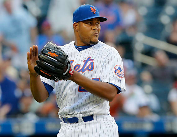 Relief pitcher returns to Mets on 3-year deal