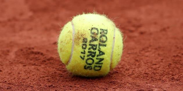 Tennis - French Open - Roland Garros, Paris, France - June 3, 2017   A tennis ball during the third round match between France's Alize Cornet and Poland's Agnieszka Radwanska   Reuters / Benoit Tessier