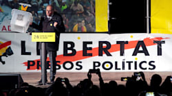 Miles de personas se concentran ante la cárcel de Lledoners contra las acusaciones de la Fiscalía a los líderes