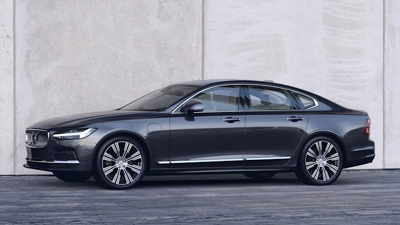 Volvo S90 sedan, V90 and V90 Cross Country wagons get updated