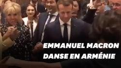 La danse folklorique d'Emmanuel et Brigitte Macron en