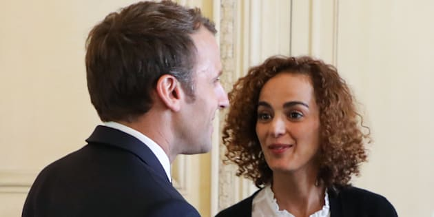 """Ambassadrice d'Emmanuel Macron pour la francophonie, l'écrivaine Leila Slimani a pris la plume pour critiquer le manque de """"vigueur"""" du président pour défendre les immigrés face à un ancien combattant."""