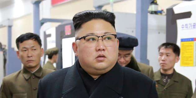 """La Corée du Nord se dit prête à la """"guerre"""" et promet de répondre au déploiement américain"""