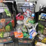 Ciudadanos le regresan su basura a supermercados en el Plastic Attack