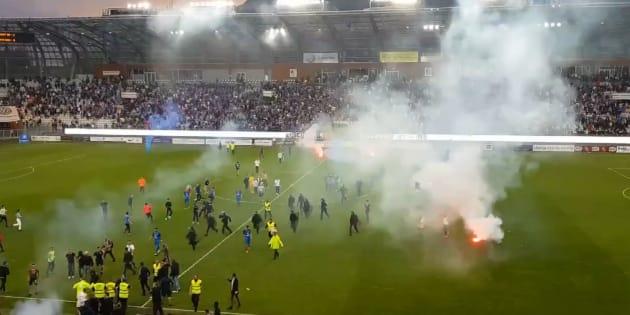 La fin du match entre Grenoble et l'Entente Sannois Saint-Gratien a dégénéré ce 11 mai 2018.