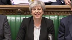 El Parlamento británico respalda a May y convoca elecciones