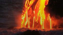 VIDEO: Continúan los ríos de lava en