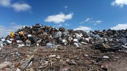 Cómo el reciclaje informal en Ecuador pone en riesgo la vida de los