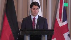 Justin Trudeau accommode les gens d'affaires qui ne parlent pas