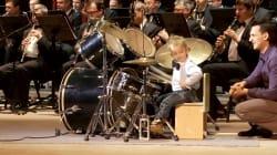 El increíble niño de tres años que toca la batería con una