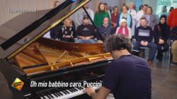 El pianista que llevó alegrías a un centro de salud mental y quiso desestigmatizar al paciente