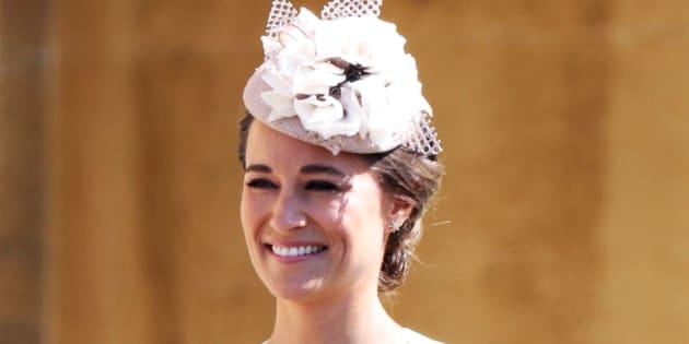 No te puedes perder esta comparación del vestido de Pippa Middleton. Foto: Reuters