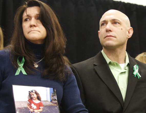 Sandy Hook father commits suicide in town hall