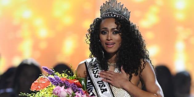 Kara McCullough é coroada a nova Miss EUA 2017.