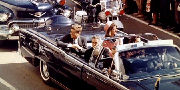 ジョン・F・ケネディ元大統領が1963年11月22日、遊説中のダラスで暗殺された。