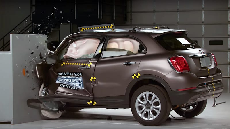 2016 fiat 500x joins iihs top safety pick ranks w video autoblog. Black Bedroom Furniture Sets. Home Design Ideas