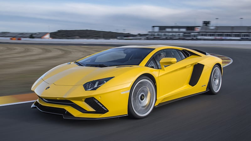 Anything But Subtle 2017 Lamborghini Aventador S First Drive Autoblog