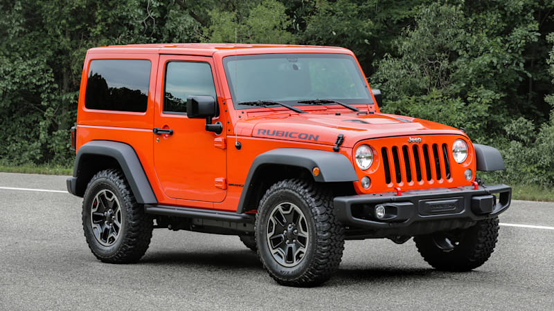 the jeep wrangler is finally getting modern headlights for 2017 autoblog. Black Bedroom Furniture Sets. Home Design Ideas
