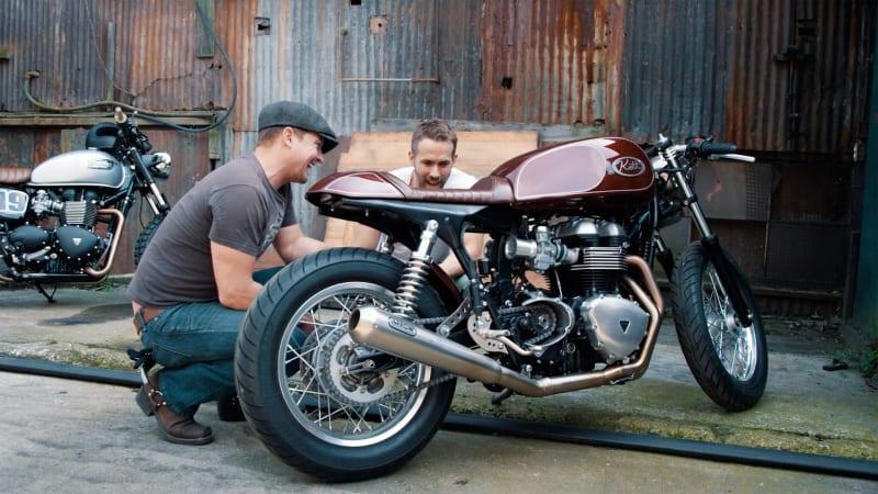 Resultado de imagen para ryan reynolds moto