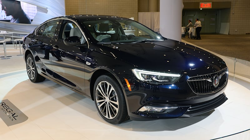 2018 Buick Regal's base price is almost $2,500 cheaper ...