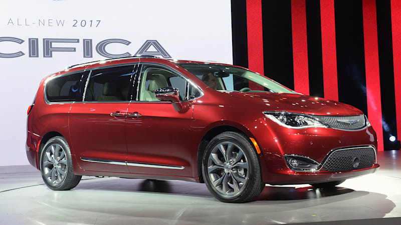 2017 chrysler pacifica is perfect for town and country autoblog. Black Bedroom Furniture Sets. Home Design Ideas
