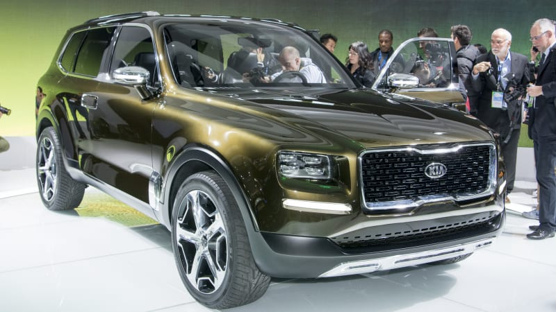 After Teasing The Exterior And Interior Of Kia Telluride Here We Have Full Monty In Dark Pyrite Green Although Warned Us That This Is Only