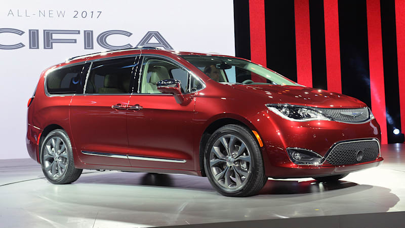 2017 chrysler pacifica scores near top on minivan mpg autoblog. Black Bedroom Furniture Sets. Home Design Ideas