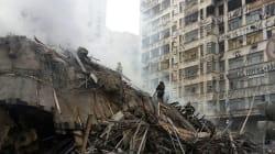 Prédio desaba após incêndio e deixa pelo menos 1 morto em