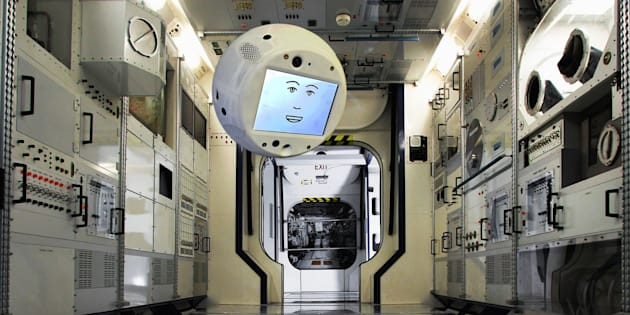 """Cimon, le """"cerveau volant"""" qui va rejoindre les astronautes de l'ISS"""