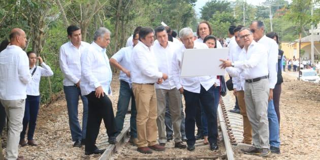 En una ceremonia, en diciembre del 2018, las 12 comunidades indígenas Mayas de Chiapas, pidieron permiso a la madre tierra para la construcción del tren Maya.