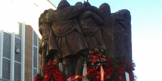 Monumento en recuerdo de los asesinados en la matanza de los abogados de Atocha.
