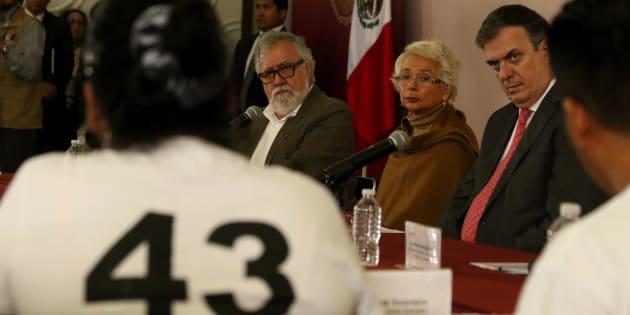 En la sede de la Secretaría de Gobernación se instaló la Comisión para la Verdad y Acceso a la Justicia en el Caso Ayotzinapa, que fue encabezada por la secretaria de Gobernación, Olga Sánches Cordero y los padres de los 43 normalistas desaparecidos.