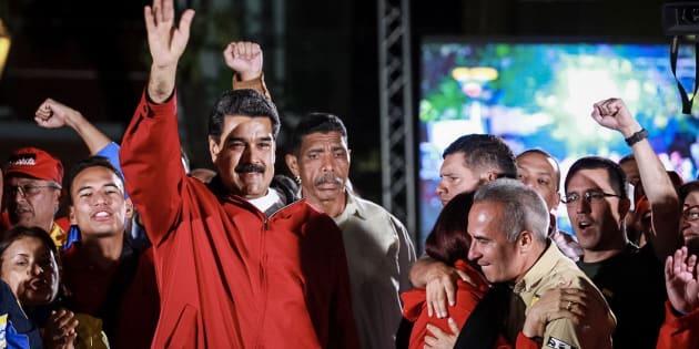 El presidente de Venezuela, Nicolás Maduro, celebra los resultados.