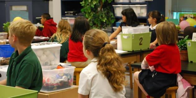 """Cette association crée des projets solidaires dans les écoles pour montrer aux élèves """"une autre économie"""""""
