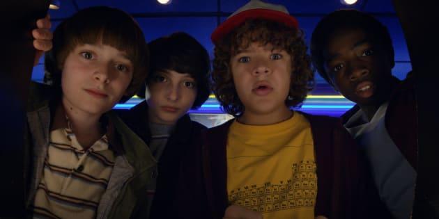 Will Byers, Mike, Dustin e Lucas em cena do trailer oficial de 'Stranger Things'.