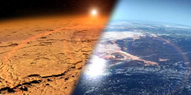 Une vue d'artiste comparant la Mars actuelle et l'état de la planète il y a des milliards d'années, quand elle était couverte d'eau et plus habitable.