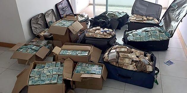 Las maletas y cajas del exministro, repletas de dinero.