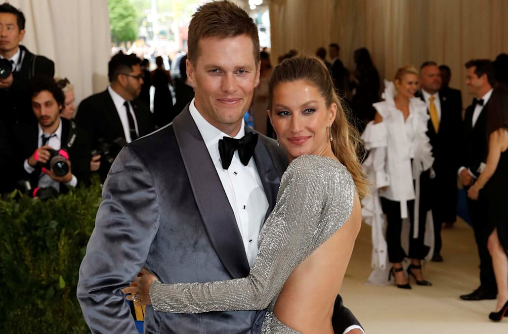 Gisele Bundchen and daughter Vivian cheer on Tom Brady