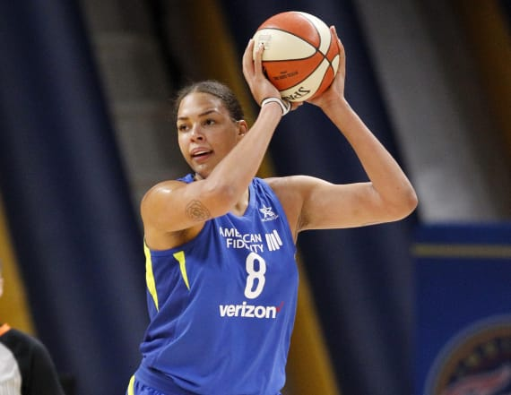 Liz Cambage sets WNBA record with 53 points in game