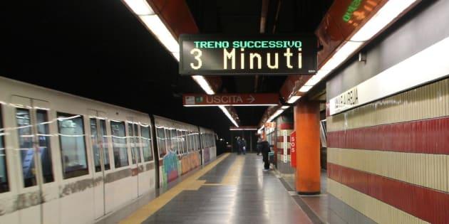 Cede la scala mobile nel metro di Roma