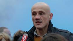 Le gilet jaune boxeur Christophe Dettinger réclame 3 millions à