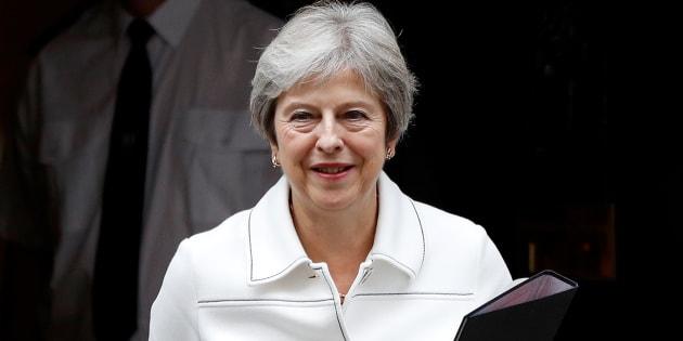 """May sempre più sola: """"Accordo sulla Brexit raggiungibil"""